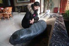 迄今为止最大的蓝玉籽料(700多斤)惊现新疆巴州